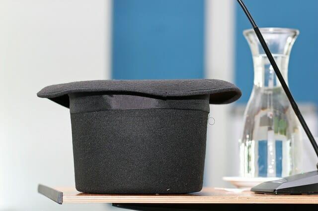 tall-hat-734903_640